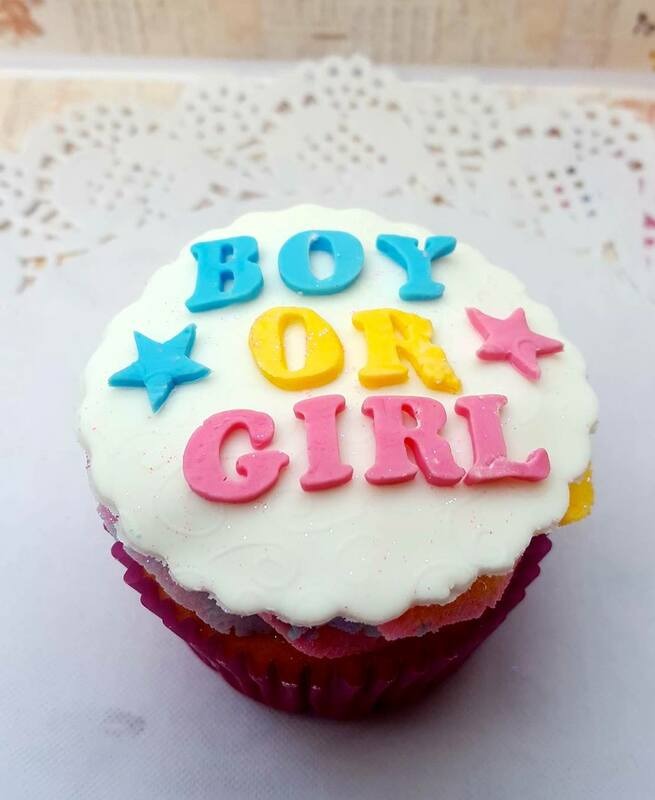 Hayley's Cupcakes in Henley on Thames Gender reveal cake