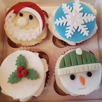 Hayley's Cupcakes in Henley on Thames Christmas Topper cake
