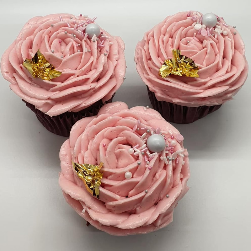 Hayley's Cupcakes in Henley on Thames Mothers Day pink rose