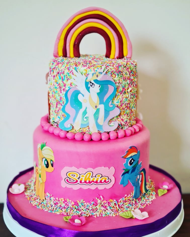 Hayleys cupcakes cake baker in Henley on Thames My Little Pony cake